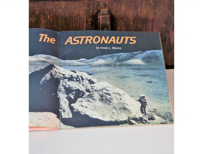 Bild vom Bilderbuch des Autors Dinah L. Moche: The Austronauts, 1978. A Random House Pictureback. Gebraucht - Projekt Carla Styria